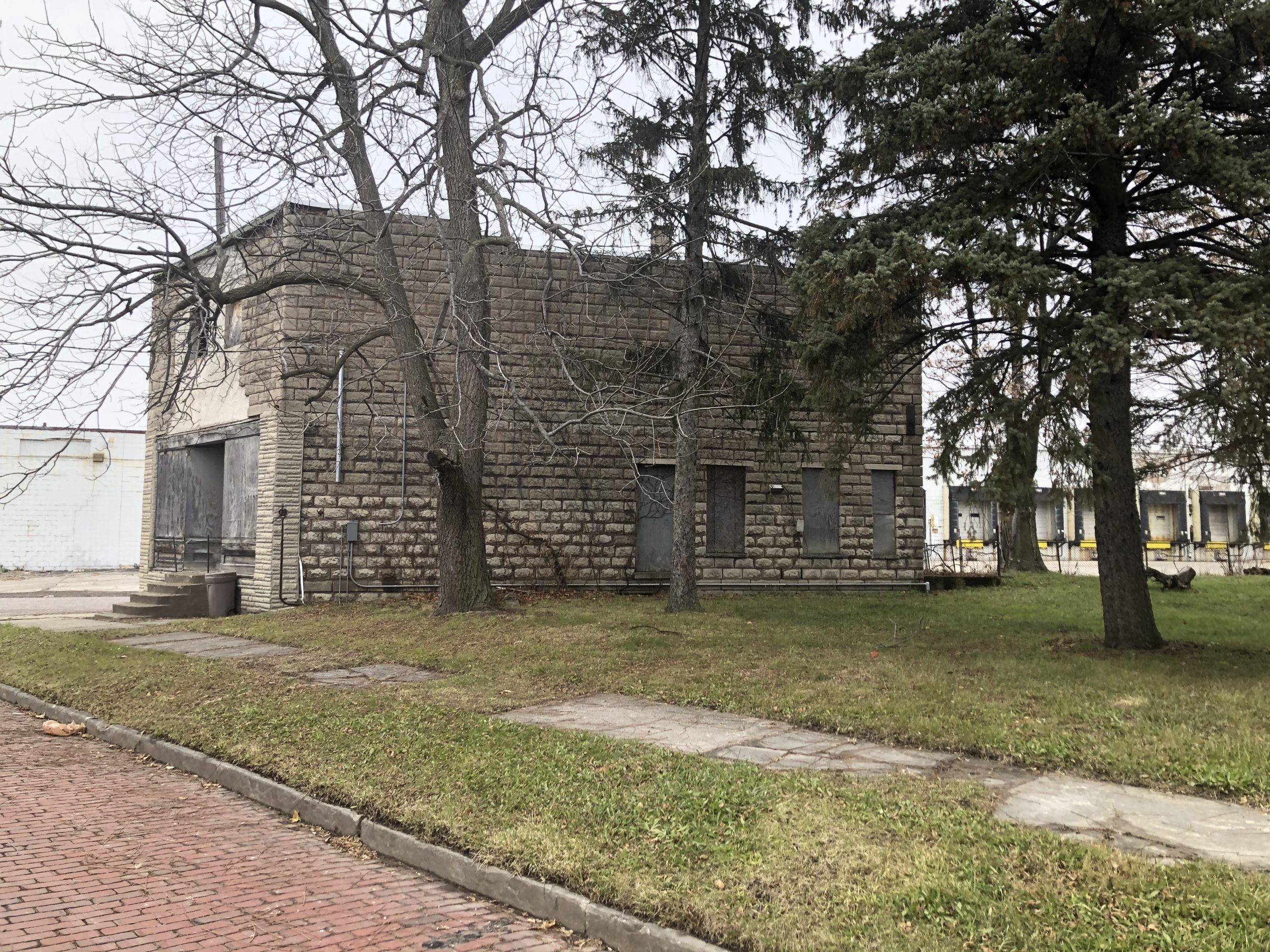 Online Real Estate Auction:  1720 & 1708 AVONDALE, TOLEDO, OH 43607